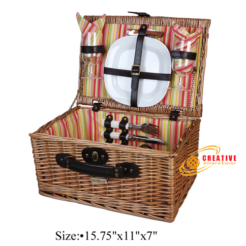 Willow Picnic Basket 2 persons use