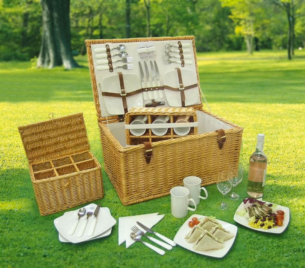 Picnic Basket for 6 persons use